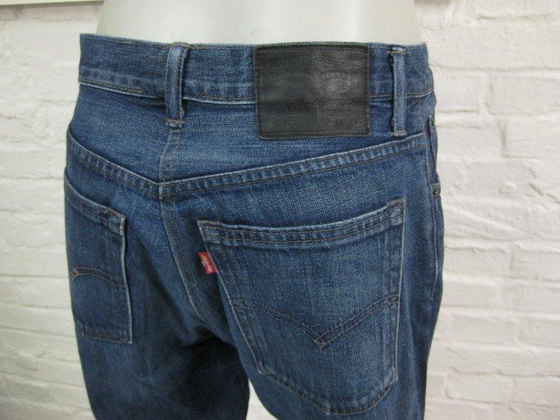 levis 513 coole herren jeans hose w34 l32 mittel blau denim schmaler schnitt ebay. Black Bedroom Furniture Sets. Home Design Ideas
